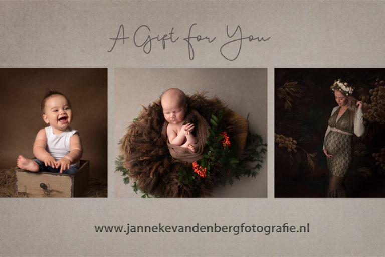 zwangerschapsfotograaf en newbornfotograaf in Flevoland